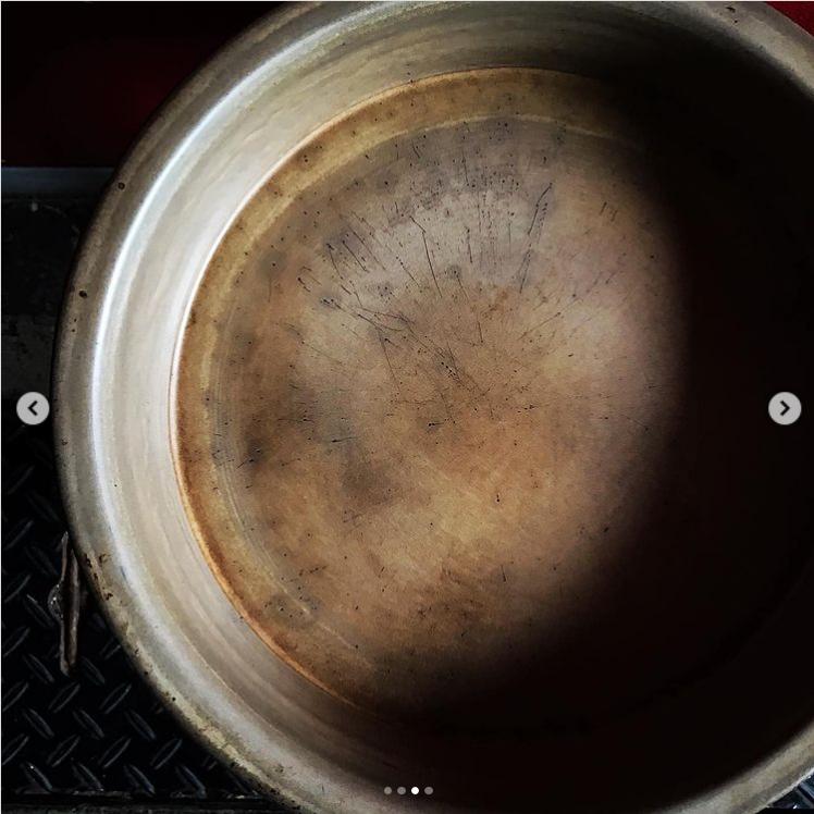 Screenshot_2021-03-01 シェフはInstagramを利用しています 「平鍋 約7年前ご近所ひめくりさんで 購入した大谷さんの平鍋… hibihiranabe…」(2)